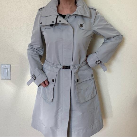 Light Grey Burberry Raincoat / Trenchcoat